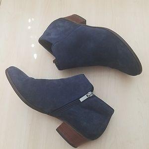 Crown vintage blue suede leather booties 9.5